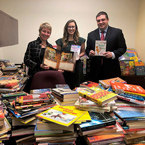 Photo of White and Williams Donates 2,000 Books to Local Philadelphia School